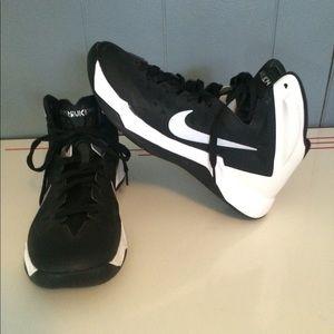 Nike HYPERQUICKNESS Women's Shoes